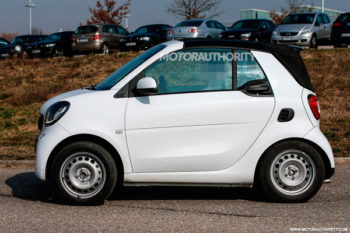 2016-smart-fortwo-cabrio-spy-shots-smart-ua com ua1